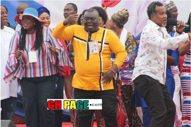 Bawumia, Samira And Other Top Ministers Show Some Boogies At Cape Coast