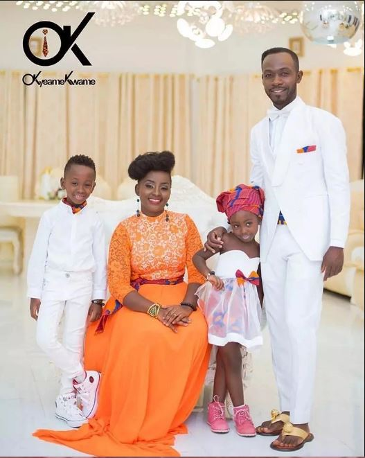 Former President Rawlings And The Smiling Family Of Okyeame Kwame In A Lovely Shot