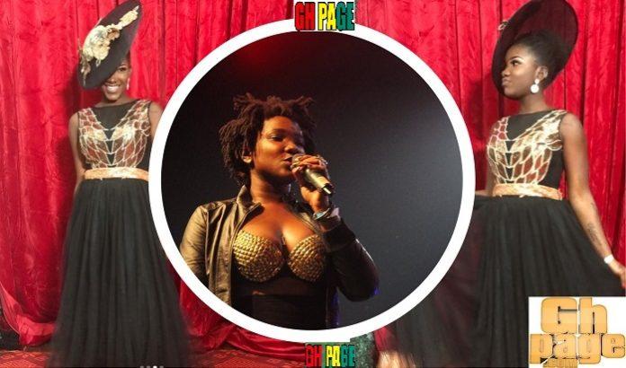 Video: Ebony Reigns sings like an angel at church