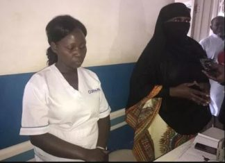 Minister disguised patient catches corrupt hospital workers collecting bribe