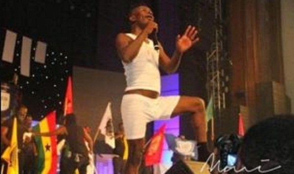 Video: Shatta Wale Mc's At Sarkodie's Rapperholic Concert