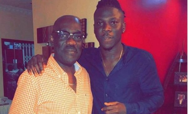 photos stonebwoy with his father in law in a new swag out photos. Black Bedroom Furniture Sets. Home Design Ideas