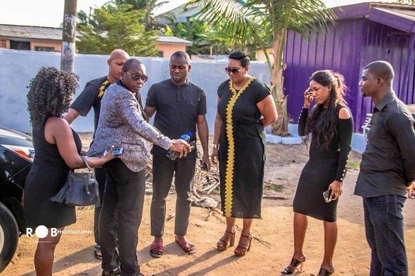 Photos: Abeiku Santana, Counselor Lutterodt, Lebene & others visit Ebony's dad to mourn with him