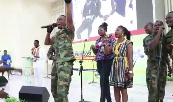 Video of Ebony's Bodyguard singing in Church will make you shed tears