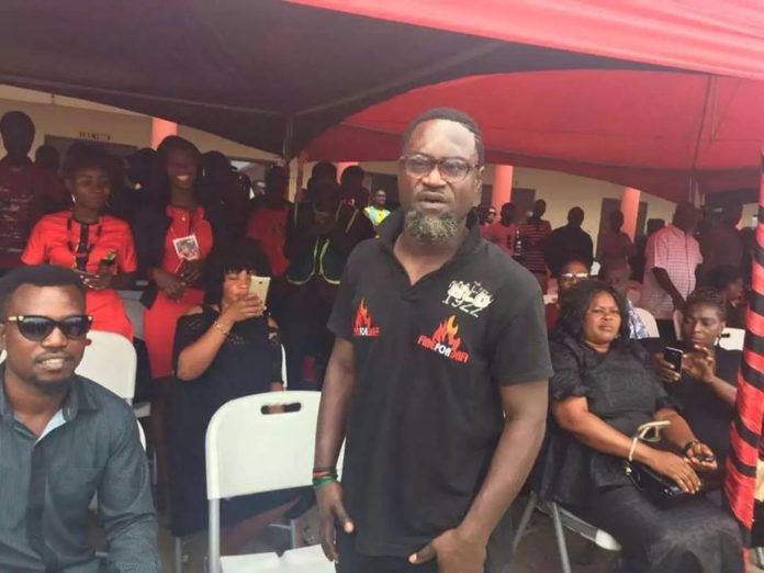 Watch How The Thousands Of Fans Gathered At Ebony's One-Week Mobbed Countryman Songo When He Arrived