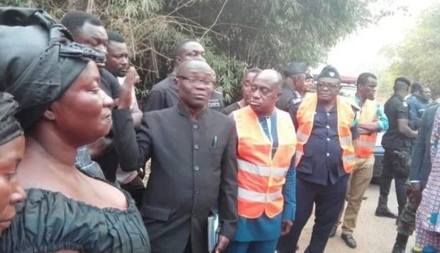 Ebony's Mum pays visit to accident spot that claimed the lives of her daughter and 2 others