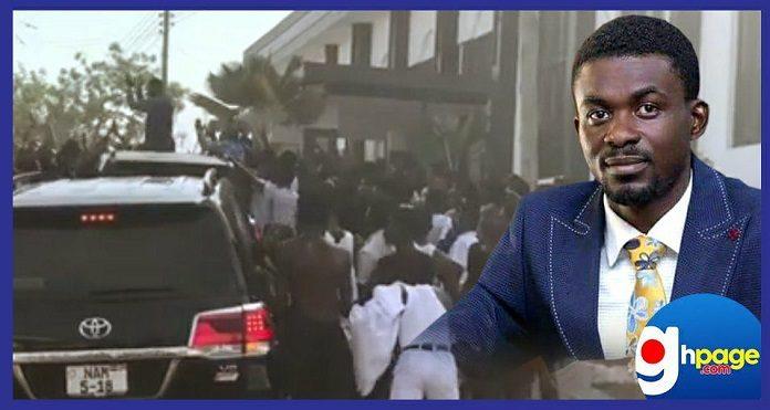 Video: Massive cheering crowd welcomes Zylofon boss,Nana Appiah Mensah during his visit to Adisco