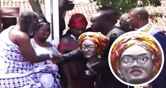 Video: Social media not impressed with this statue of Ebony Reigns which was presented to her family at the funeral grounds as an honour