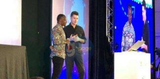 Owura Kwadwo, The Blackboard Computer Teacher gets standing ovation in Singapore