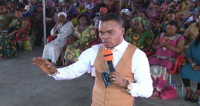 Video: Angel Bishop Obinim speaks in Chinese language to deliver a church member