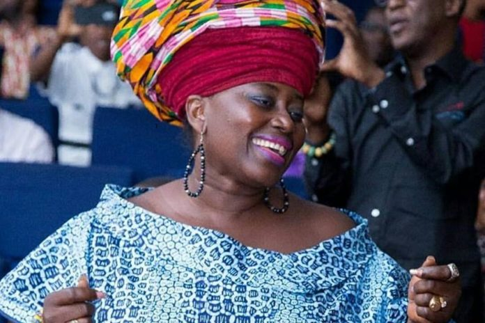 Akumaa Mama Zimbi Drops Bombshell Accuses Some Members of Parliament, Pastors and Chief Executive Officers As Homosexuals