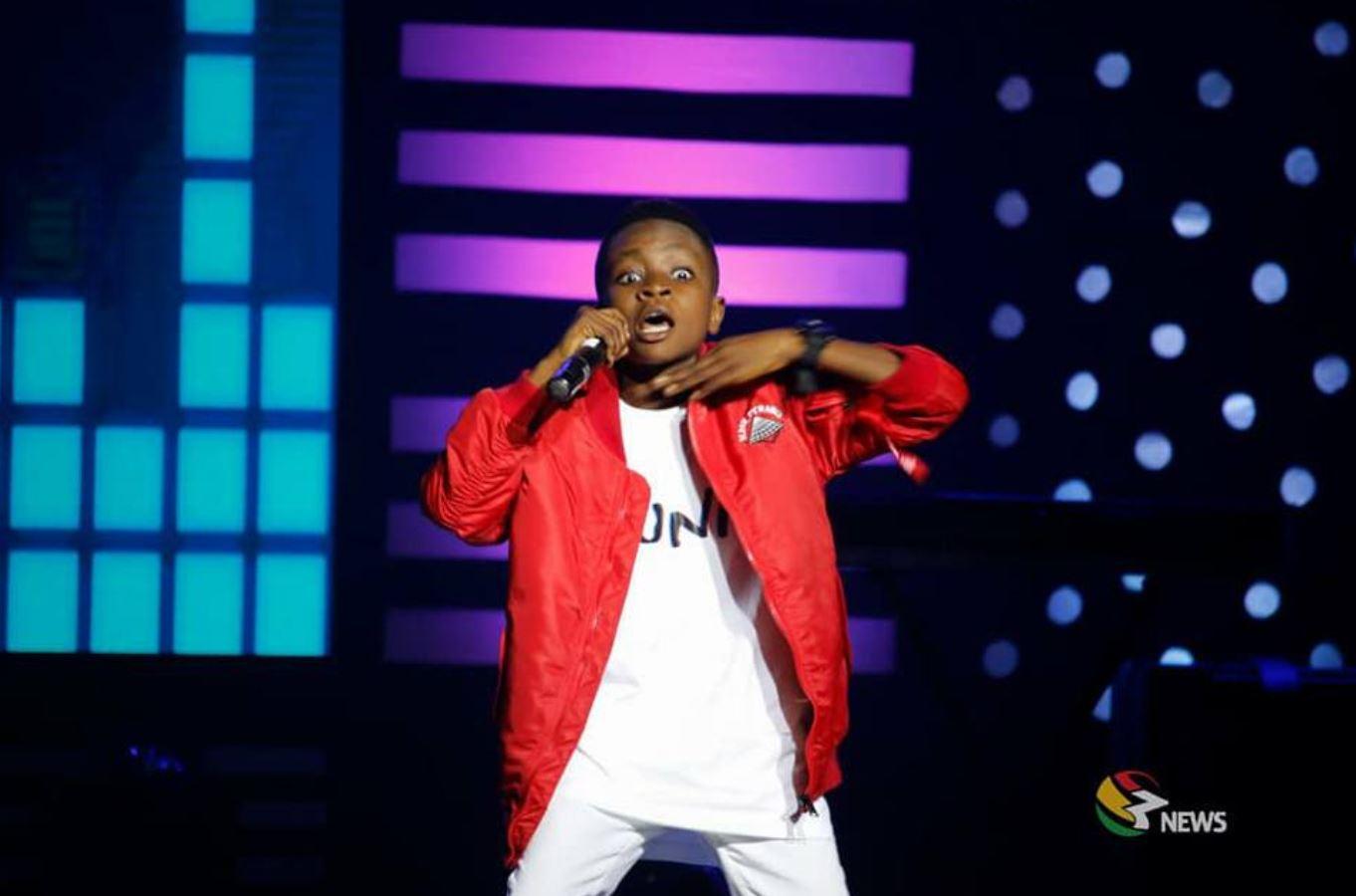 Samuel Owusu wins TV3 talented kids season 9 - Sarkodie Joined him on stage