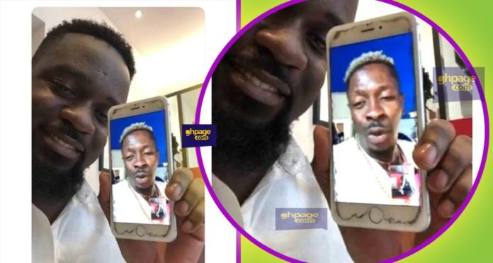 Rapper Sarkodie Can't Afford To Buy Screeen Protector For His Phone
