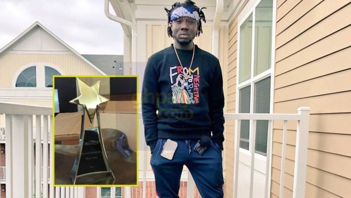 Show Boy wins best new artiste award at 2018 Ghana Entertainment Awards