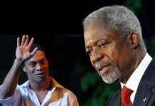 Ronaldinho pays tribute to the late Kofi Annan