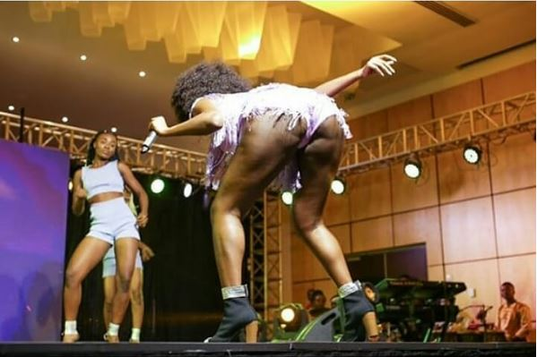 Wendy Shay blasted for exposing her rashes infested b00ties
