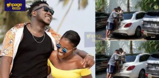 """Fella Makafui spotted """"chopping love"""" with Medikal in his house"""