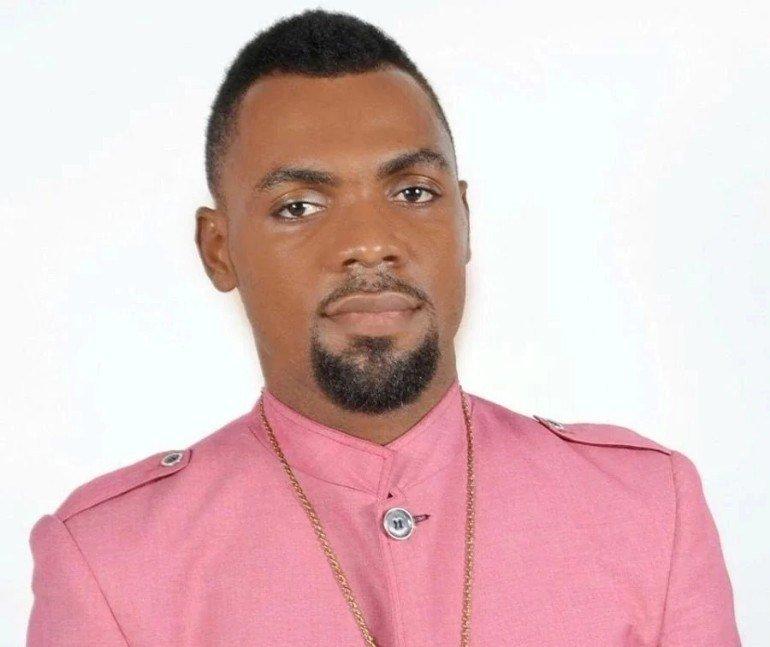 Rev. Obofour - Captain Smart and Ayitey Powers storm Rev Obofour's church