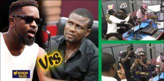 Mark Okraku Mantey clashes with Sarkodie at Hitz Fm studio.