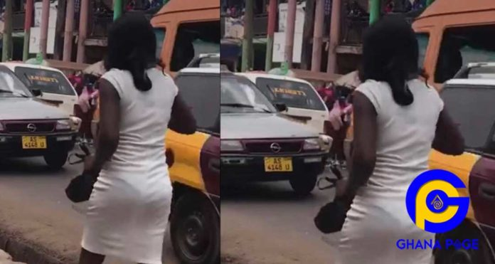 Video: Beautiful young lady runs mad after being dropped from a speeding posh car in Kumasi