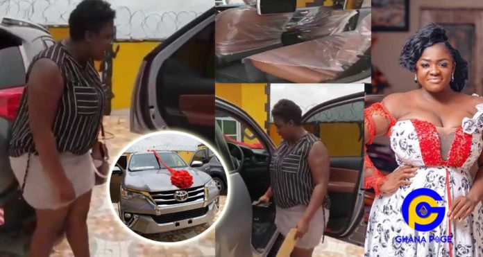 Video: Tracey Boakye gets a tear-rubber car as a surprise Easter gift from her boyfriend