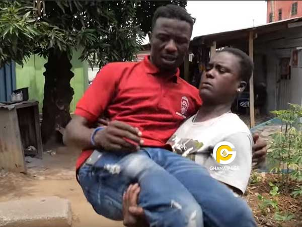 Kwaku Manu ghetto Queen - Ghetto Queen carries Kwaku Manu like a baby in an aggressive interview