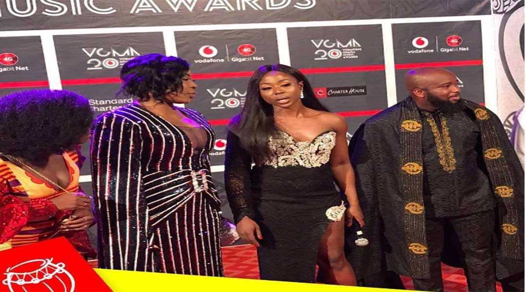 First photos from VGMA red carpet