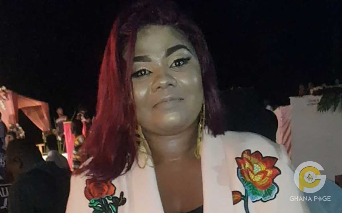 Fans descend on Gifty Adorye for her heavy make-up