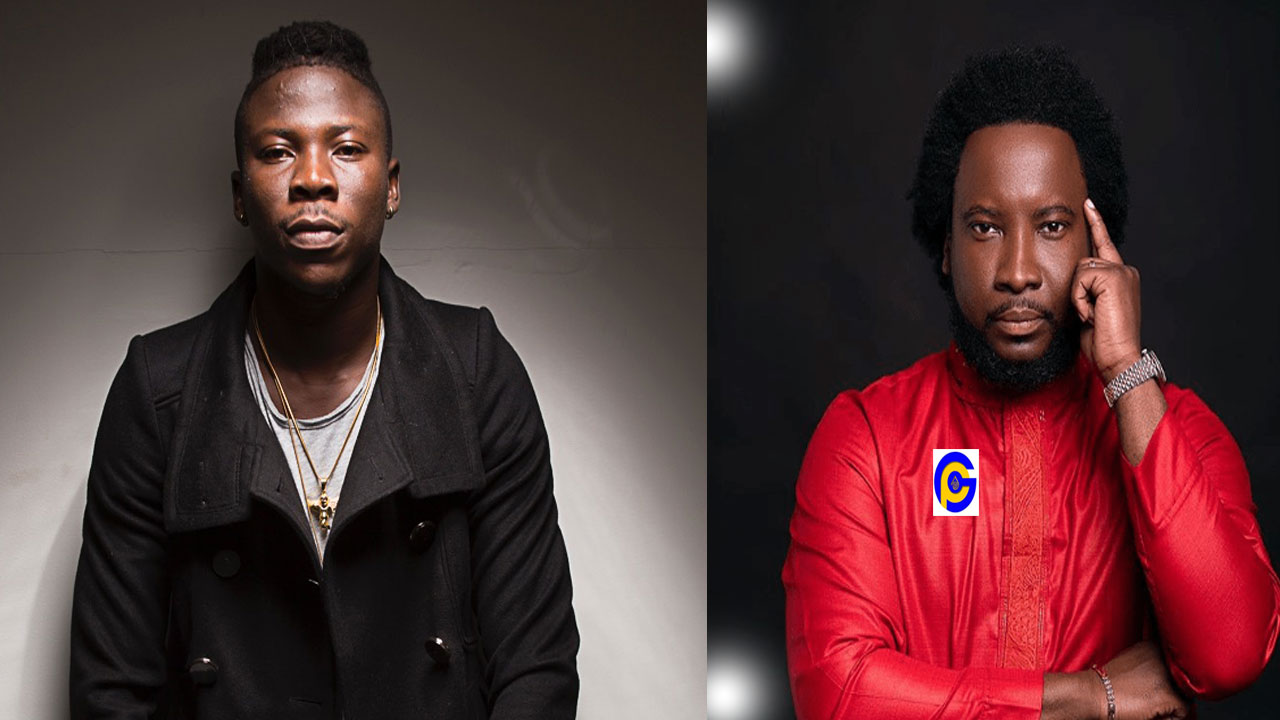 Sonnie Badu flaunts his expensive garage to Stonebwoy in new photo