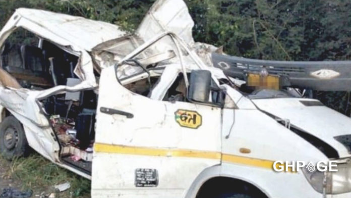Six professional footballers crush to their death on Kumasi-Offinso road