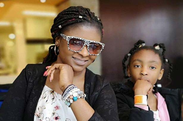 Elizabeth Amoaa and her daughter