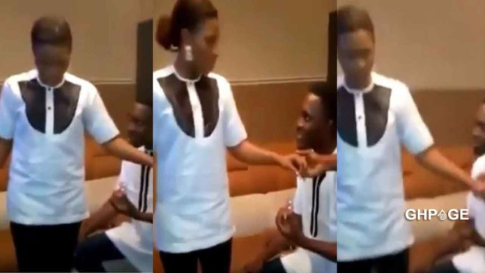 Man propose marriage to lady during a prayer session