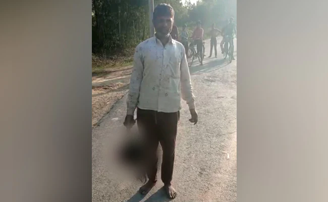 man beheads daughter