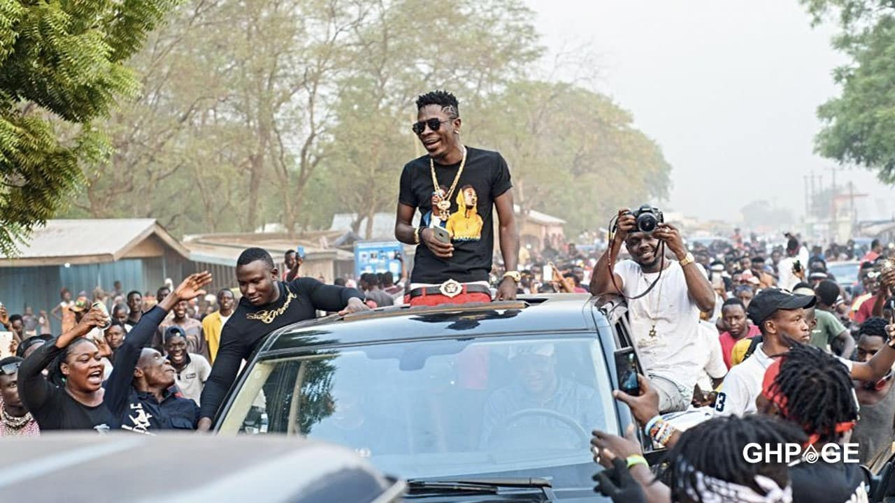 Fans unfollow Shatta Wale after he called them educated idiots